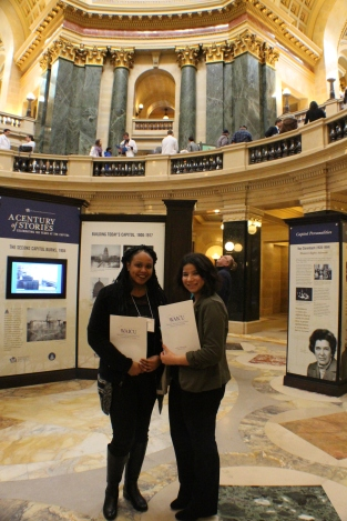 WAICU students capitol rotunda